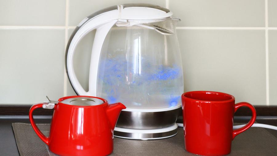 Почему шумит чайник?