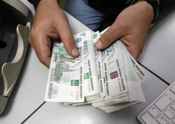 Миронов выступил против повышения зарплат депутатов Госдумы