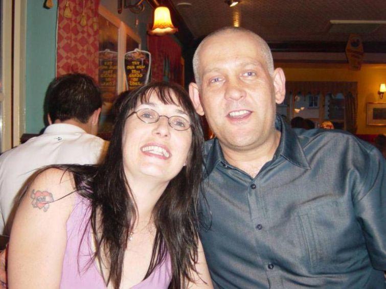Из папы в маму: после 20 лет брака муж решил сменить пол, чтобы стать ближе к сыну