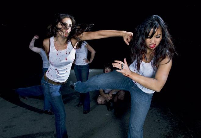 Женщины борятся с мужчинами голыми фото 127-107