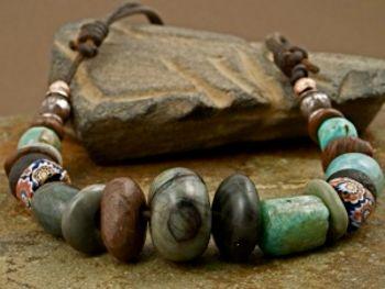 Бусы из камней, сделанные своими руками