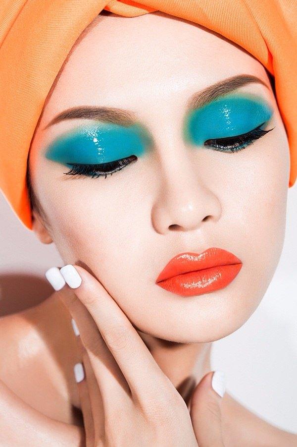 Яркий макияж длясессии