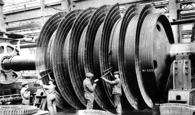 2. Лайнер был настолько велик, что только для того, чтобы бросать уголь в топки печей, требовалось 176 человек. интересно, кораблекрушение, титаник