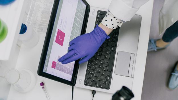 Устройство, превращающее любой монитор в тач-скрин