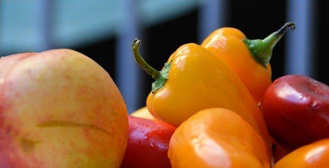 Овощи и фрукты спасают от слабоумия в старости