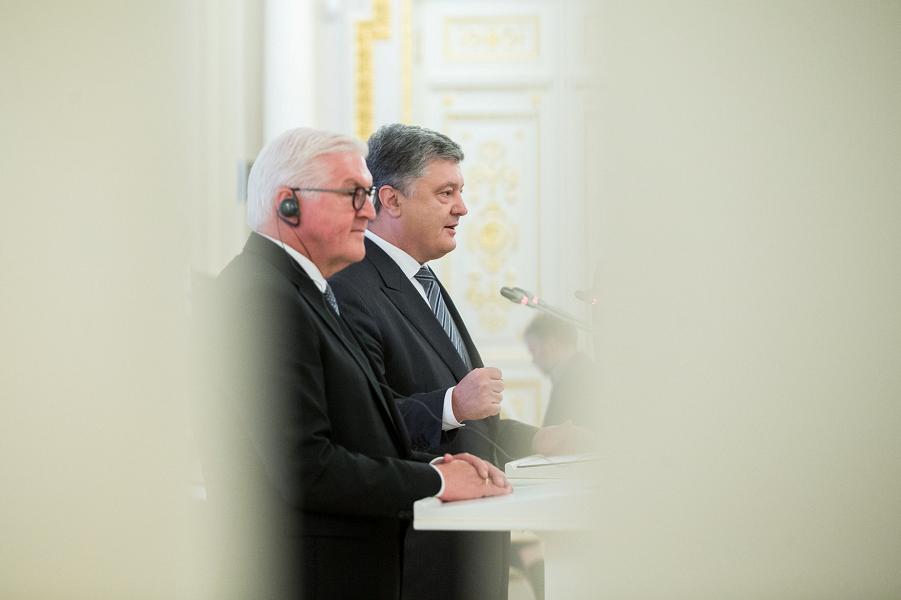 Президент Германии отчитал Порошенко за «Северный поток-2»