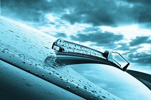 Как обеспечить хороший обзор: выбираем дворники и стеклоомывающую жидкость