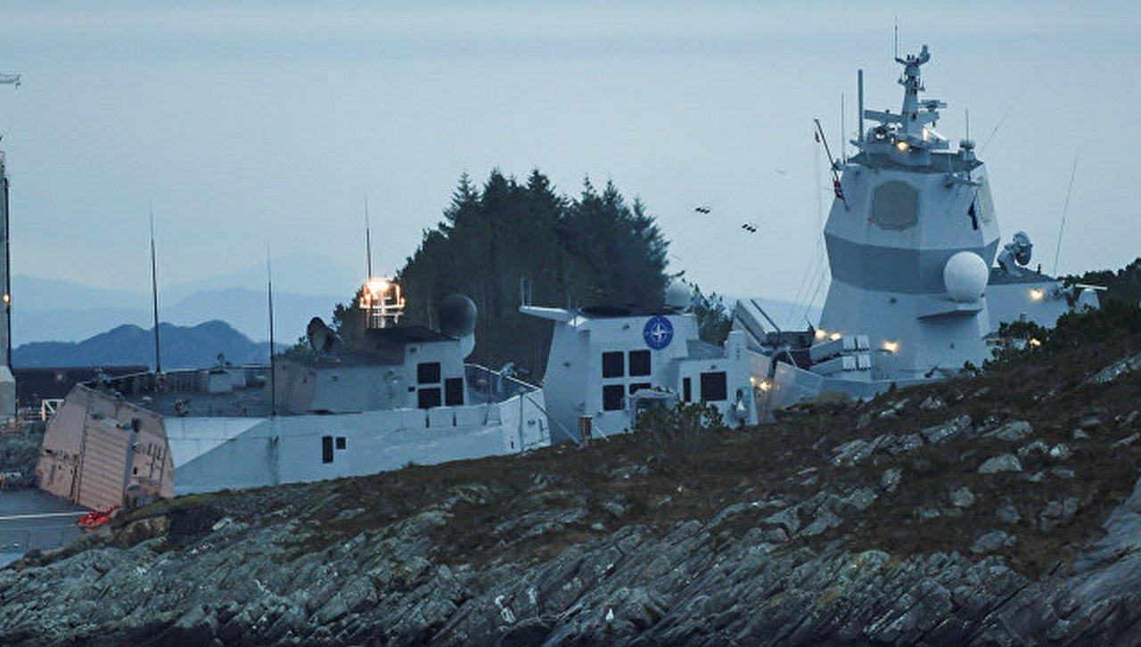 Не вылавировали: как фрегат НАТО попал под нефтяной танкер