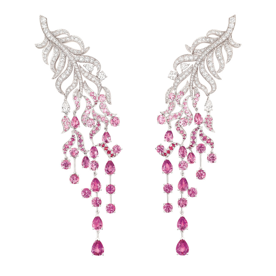 "Chanel "" Plume enchantée"" earrings in 18 karat w"