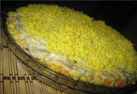 Великолепный салат «Сытный» с кальмарами и грибами