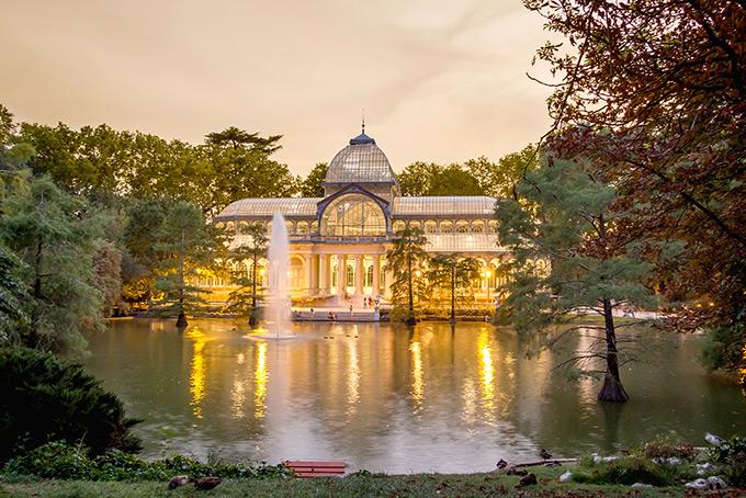 Парк Буэн-Ретиро в Мадриде осенью