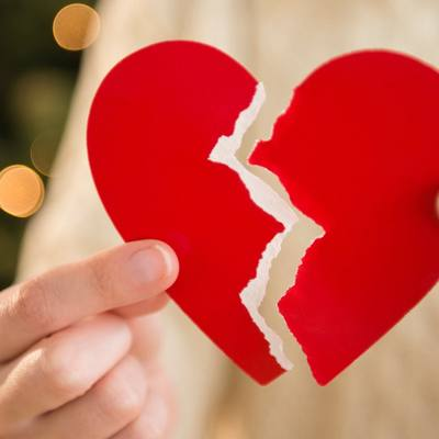 Шутка одного человека стала причиной развода 4 тысяч пар