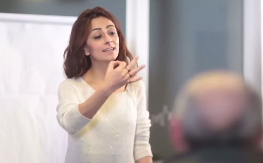 town-learns-sign-language-deaf-muharrem-samsung-video-call-center-7