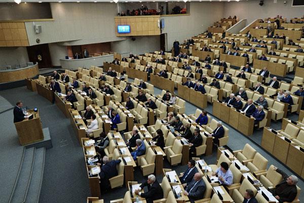 """Госдума утвердила схему """"нарезки"""" одномандатных округов на выборах-2016"""