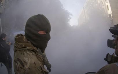 """Неизвестные напали на отделение """"Оппозиционного блока"""" в Харькове"""