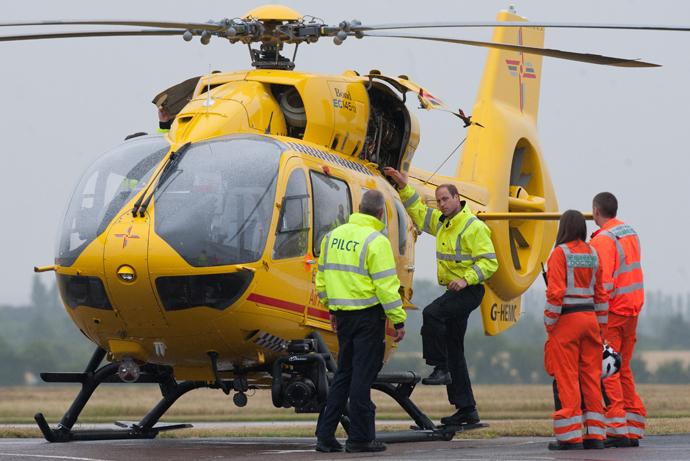 Скандал в Букингемском дворце: принца Уильяма обвиняют в романе с коллегой