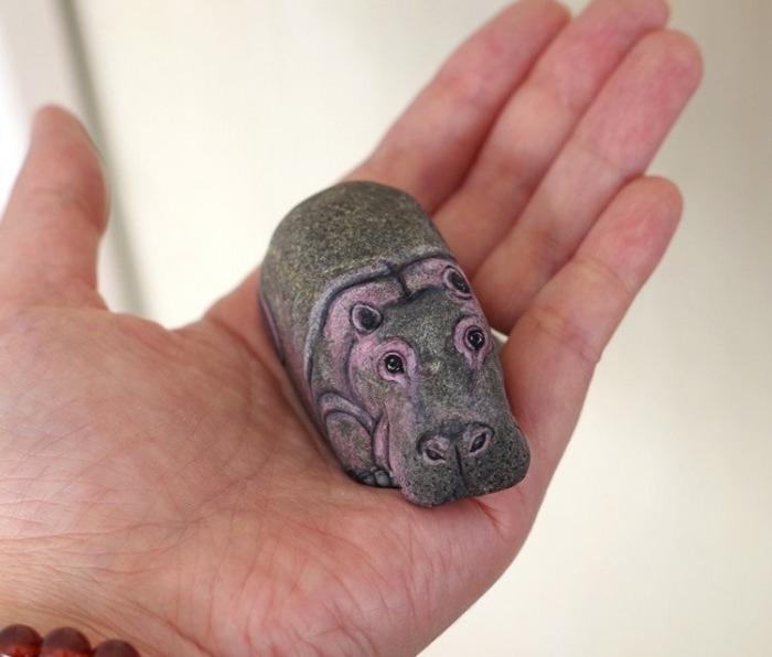 Очаровательные рисунки животных на камне