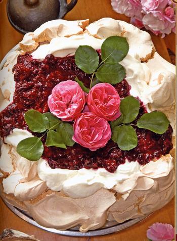 Торт-безе «Лесная ягода»