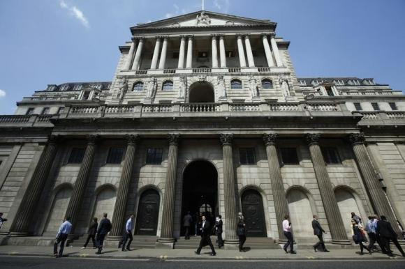 Europe risks, U.S. caution could delay British rate rises