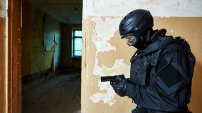 Спецназовцы сняли с окна больницы вице-спикера ижевской думы, угрожавшего суицидом