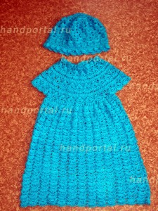 Как связать крючком платье для девочки (а лучше целый комплект)