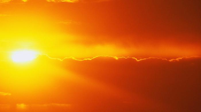 13. Несоответствие температуры солнечных полюсов космос, ученные