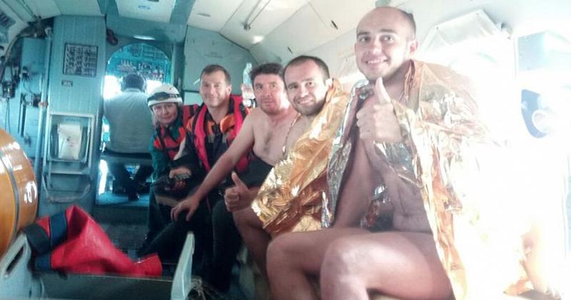 На матрасе по волнам: в Геленджике двое мужчин 18 часов дрейфовали в море