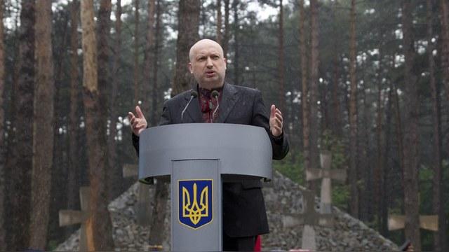 Турчинов: Злобная Россия грозит Украине сотнями ракет