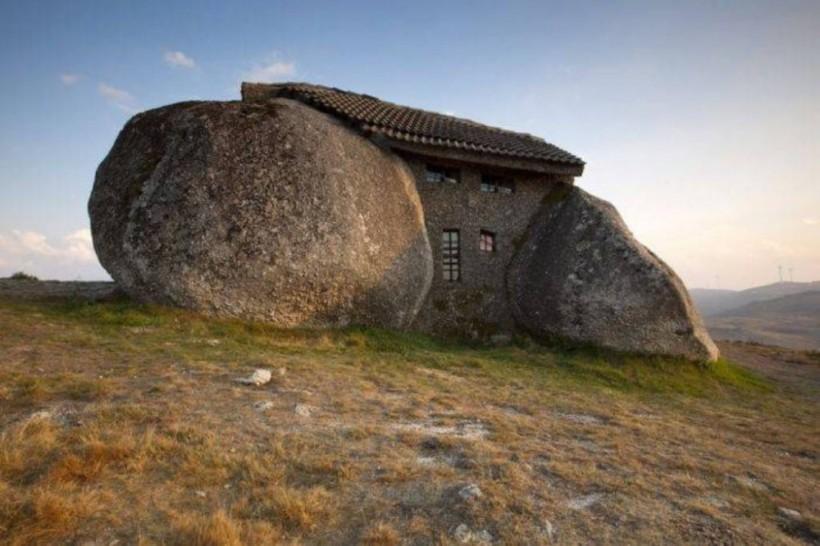 Каменный дом, Фафи, Португалия