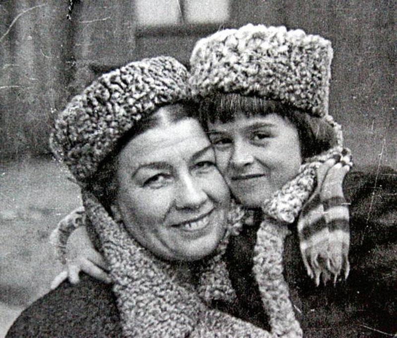 1009 Лидия Русланова с дочерью Ритой.jpg