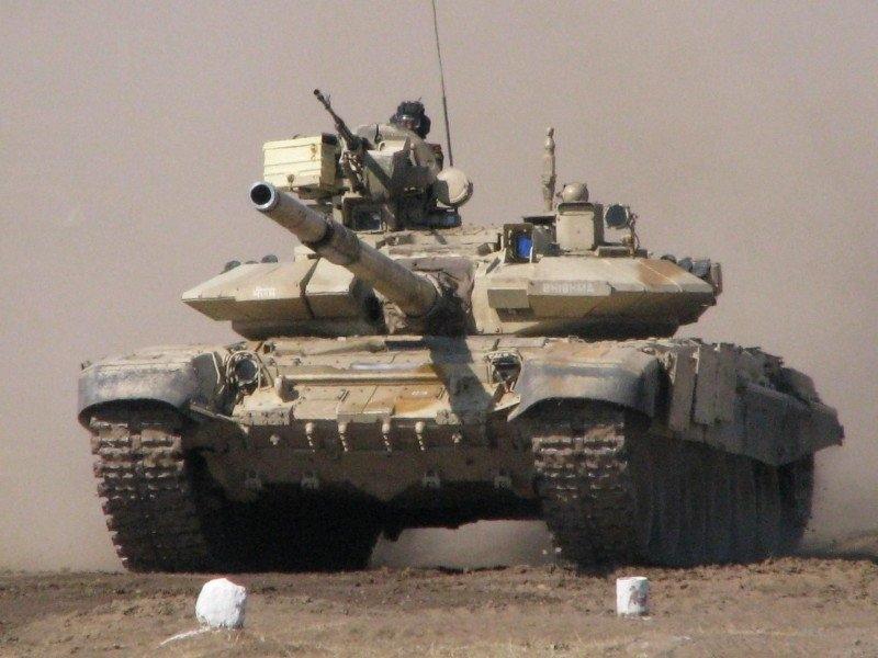 Колонна российских Т-90 прибыла в Алеппо