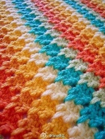 Плед из разноцветных полос