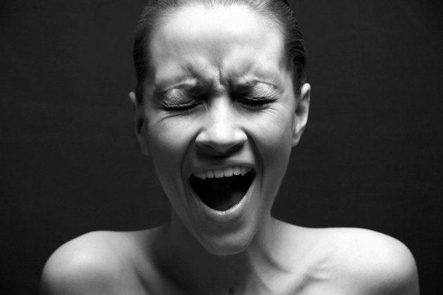 О чем могут говорить слезы девушки после секса и чем ей помочь