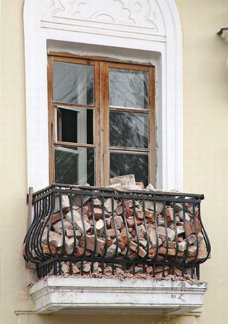 20. Балкон любителя посмотреть фильмы ужасов на ночь балкон, дизайн, креатив
