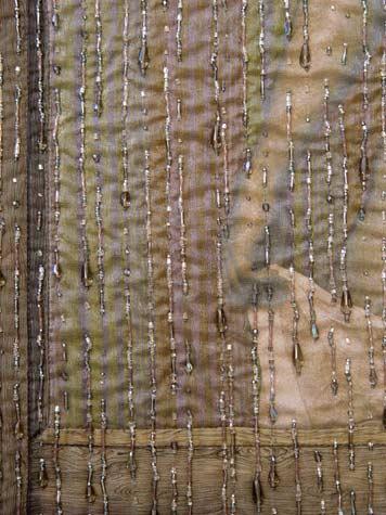 Удивительно красиво! Том Аткинс. Баланс между бисером и тканью.