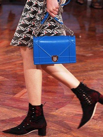 Купить оригинальные сумки Dior Диор с доставкой по