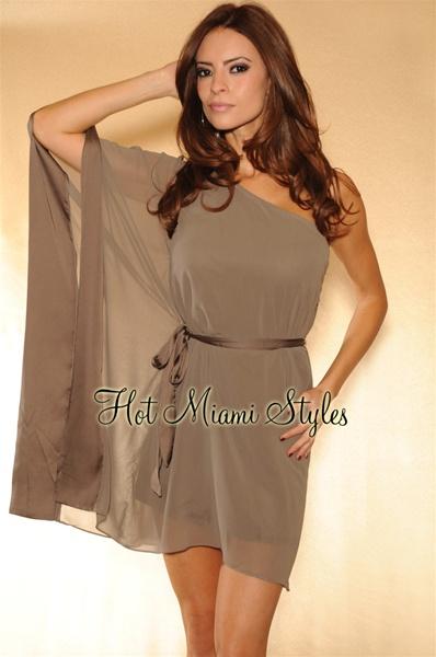 Сшить платье с одним рукавом греческого стиля