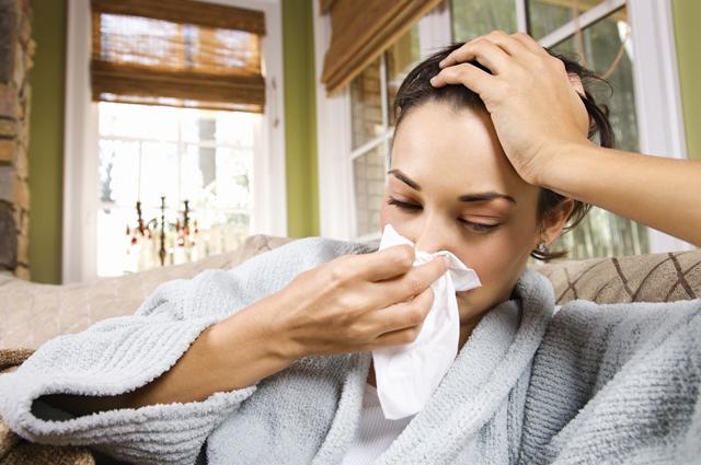 Маска гриппу не помеха. 3 мифа о простуде и ОРВИ