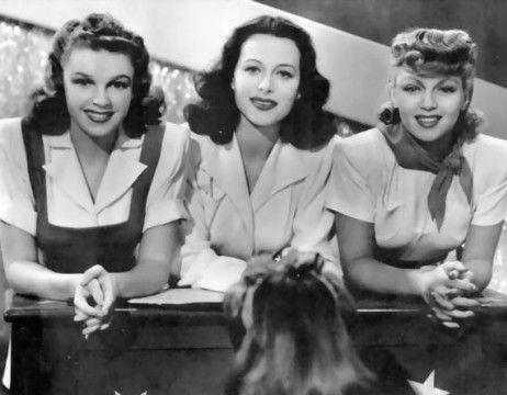 "Хеди Ламарр, Лана Тернер и Джуди Гарланд в мюзикле ""Девушки Зигфилда"""