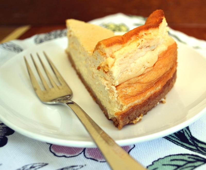 Необычное лакомство: творожный торт с заварным кремом