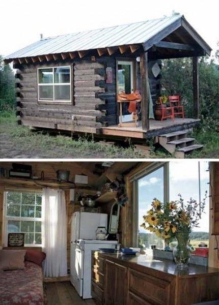 Небольшой дачный домик с крыльцом