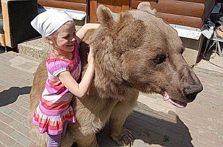 """Маша и Медведь"""" в реальной жизни!"""