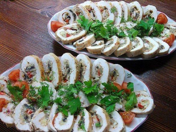 Куриные рулетики с грибами - вкусное и легкое праздничное блюдо