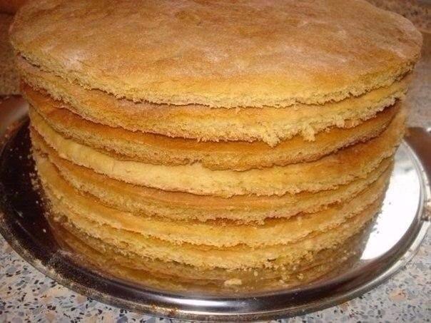 Как быстро приготовить коржи для торта?