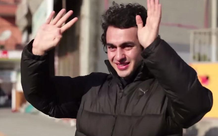 town-learns-sign-language-deaf-muharrem-samsung-video-call-center-5
