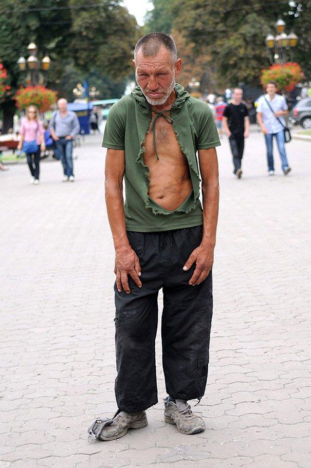 55 летний львовский бомж самый модный бездомный в мире (7)