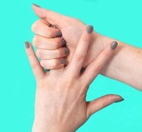 Вот что произойдет, если вы 20 секунд будете тянуть себя за безымянный палец