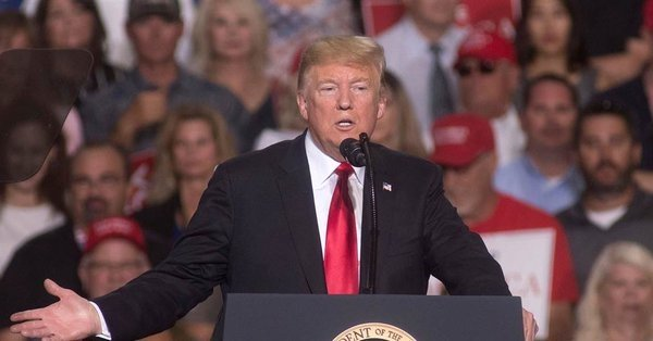 СМИ: Трамп пойдет на сделку с демократами ради прекращения шатдауна