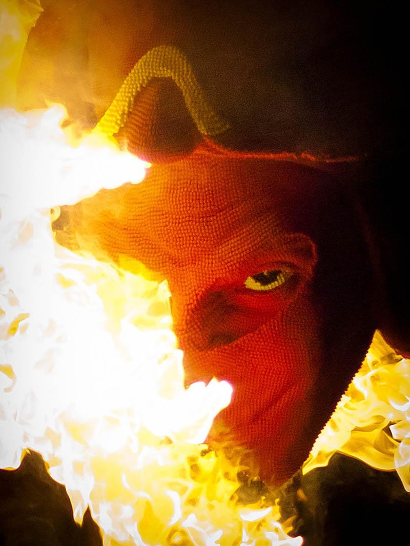 9129 Гори оно огнем   как горит дьявол из спичек