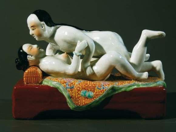 eroticheskie-statuetki-pri